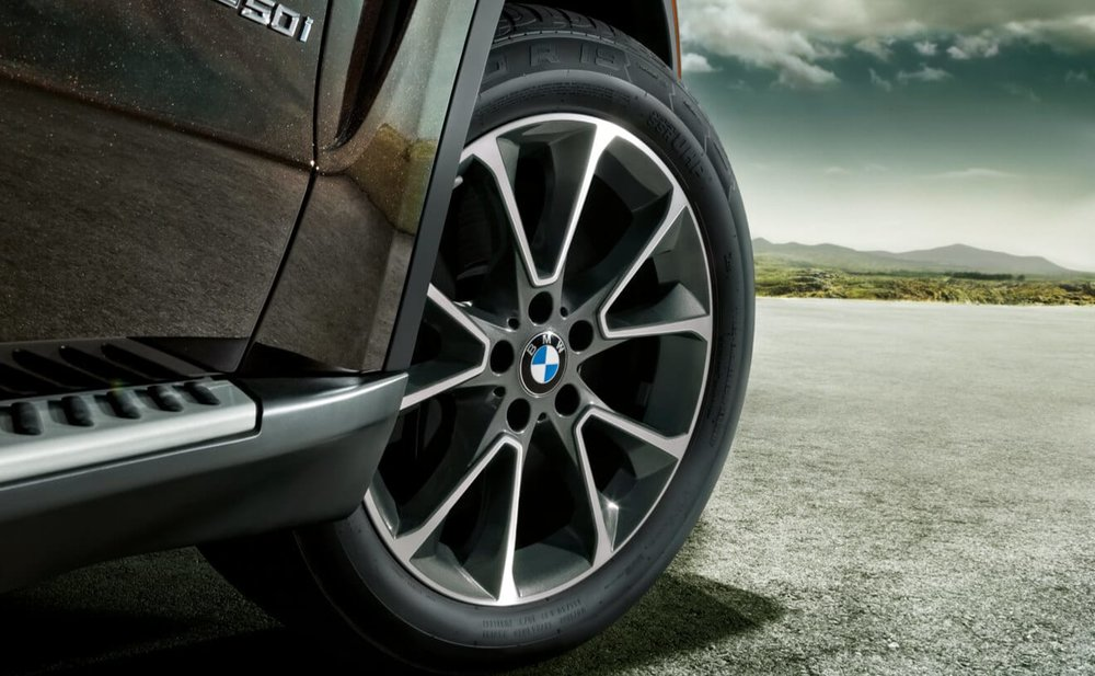 BMW_X-series_X5_lightbox_02.jpg