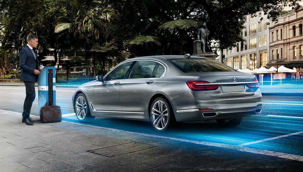 2016-BMW-740Le-eDrive-rear-three-quarter.jpg