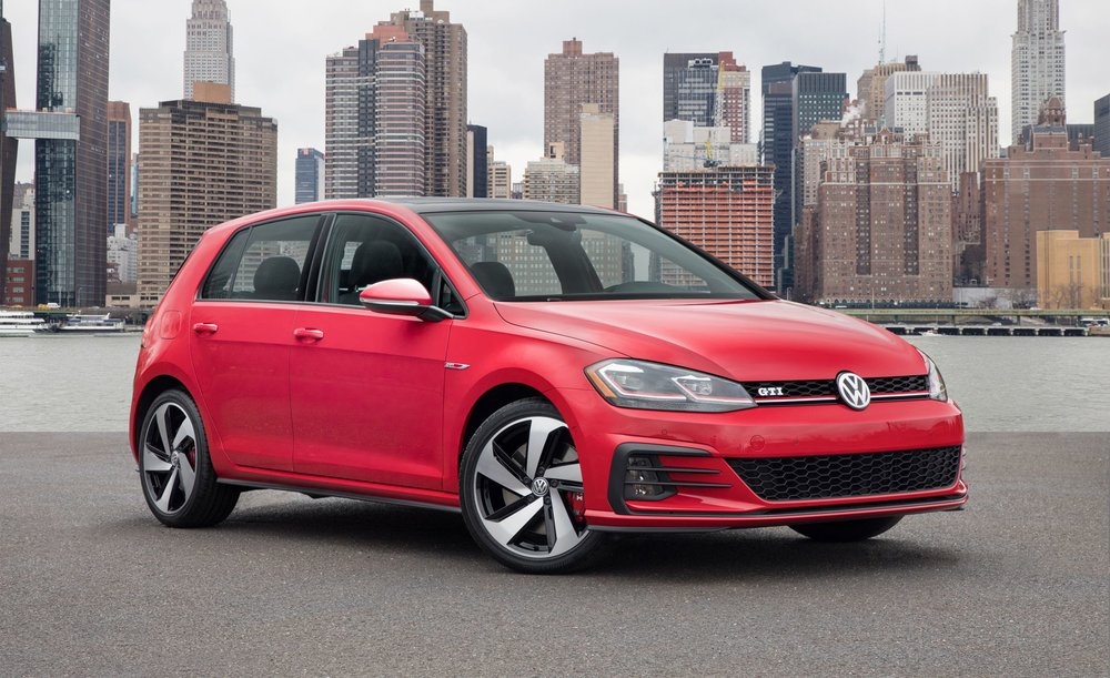 2018-volkswagen-golf-gti-and-golf-r-photos-and-info-news-car-and-driver-photo-678829-s-original.jpg