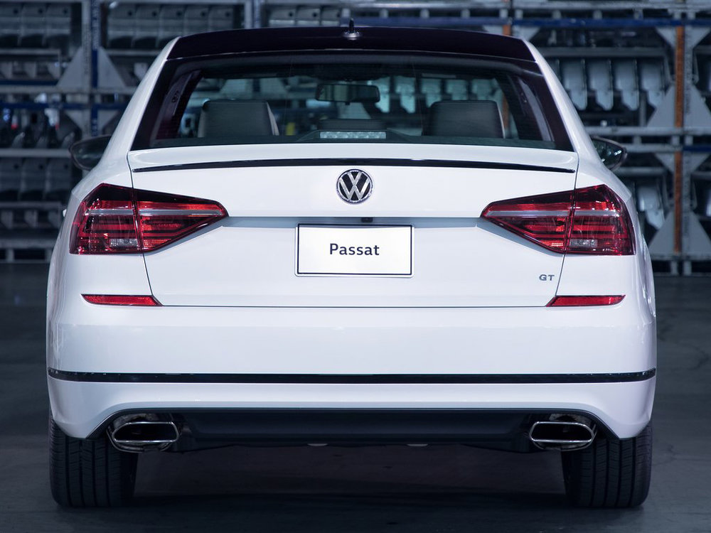 Volkswagen-Passat_GT_US-Version-2018-1024-07.jpg