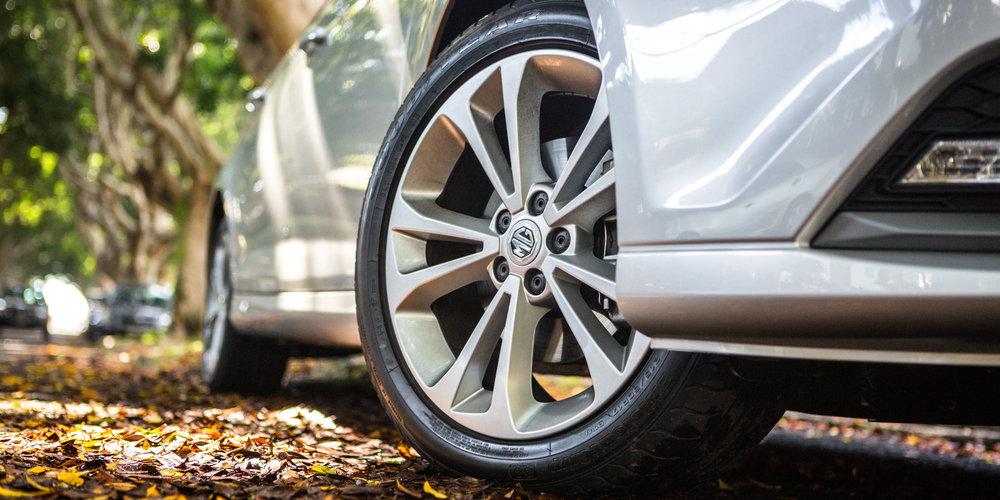17-inch bull's eye precision aluminum wheels