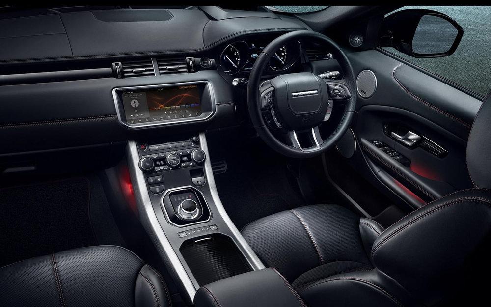 interior front Land Rover Range Rover Evoque 2017_0.jpg