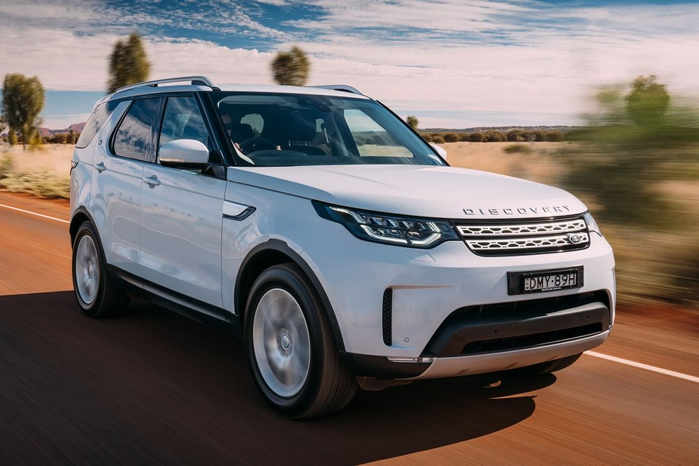 Land-Rover-Discovery-2017-drive-MAIN.jpg