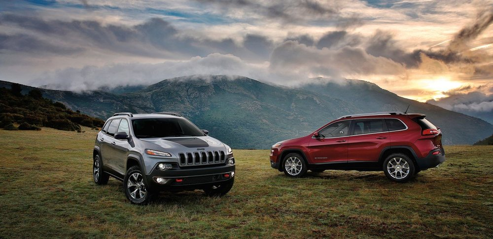 2017-Jeep-Cherokee-Gallery-Trailhawk-Latitude-Billet-Silver-Deep-Cherry-Red.jpg.image.1440.jpg