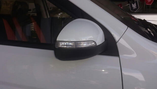 Side Mirrors with side turn lamp indicators