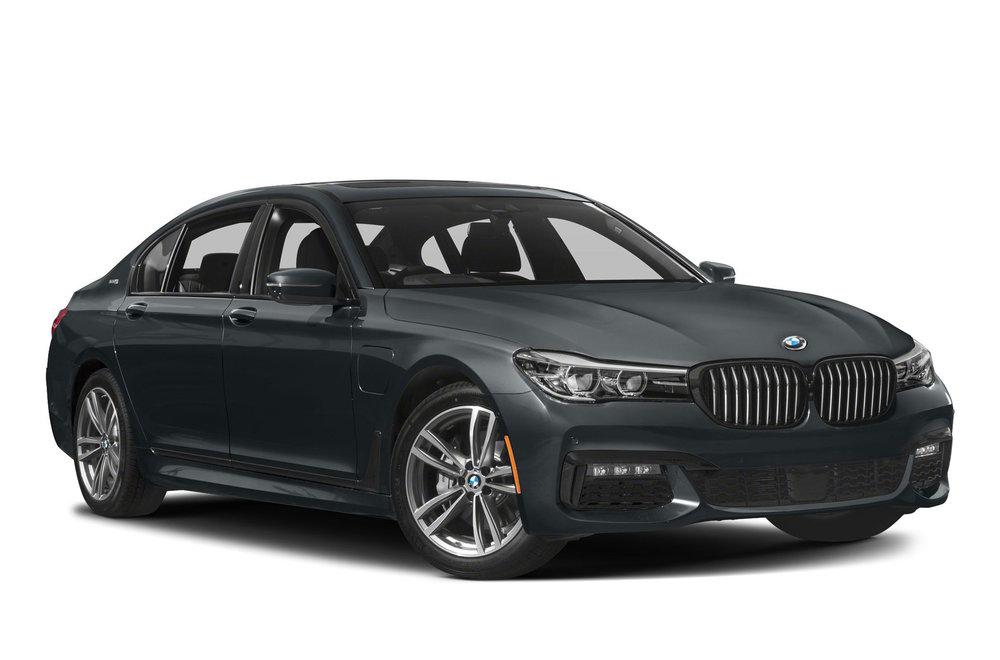 2018-BMW-740e-Sedan-xDrive-iPerformance-4dr-All-wheel-Drive-Sedan-Photo-15.jpg