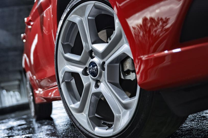 "17"" Rado Grey-painted aluminum wheel"