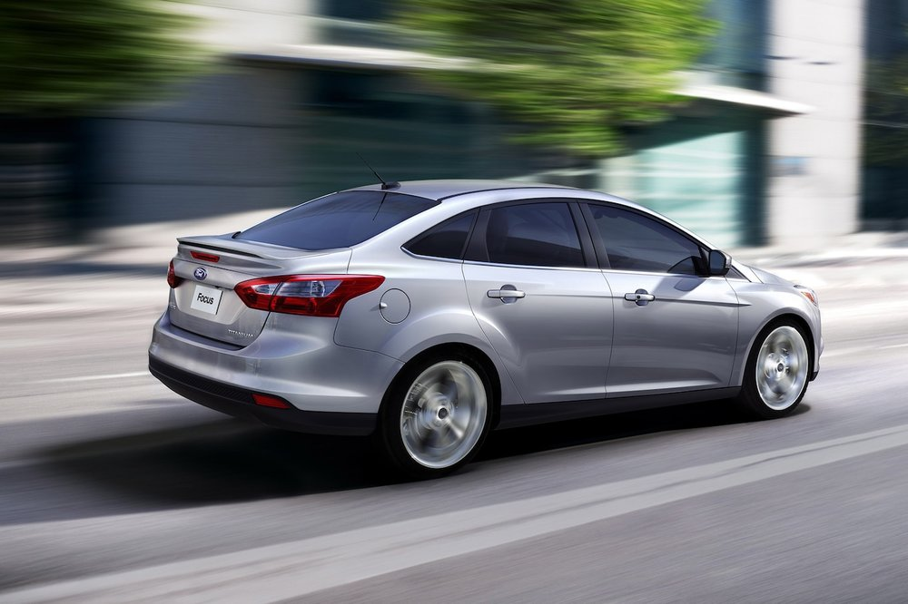 2014-ford-focus-sedan.jpg