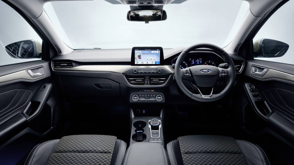 2019-Ford-Focus-automatic-interior-ST-Line.jpg