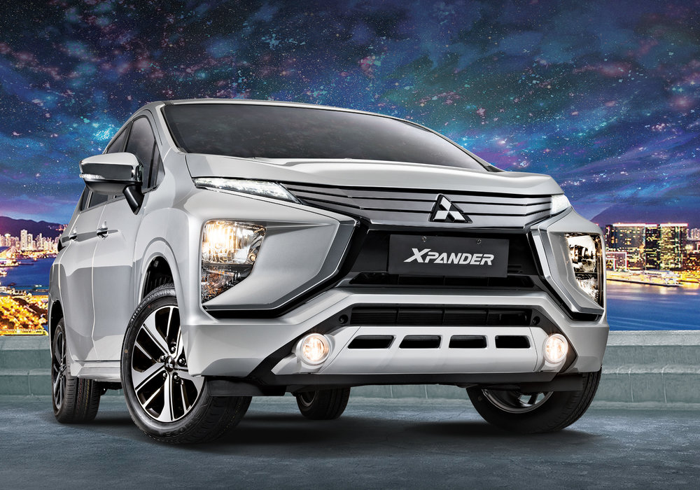 Xpander-GLS-Passengers-Side-Front-Shot.jpg