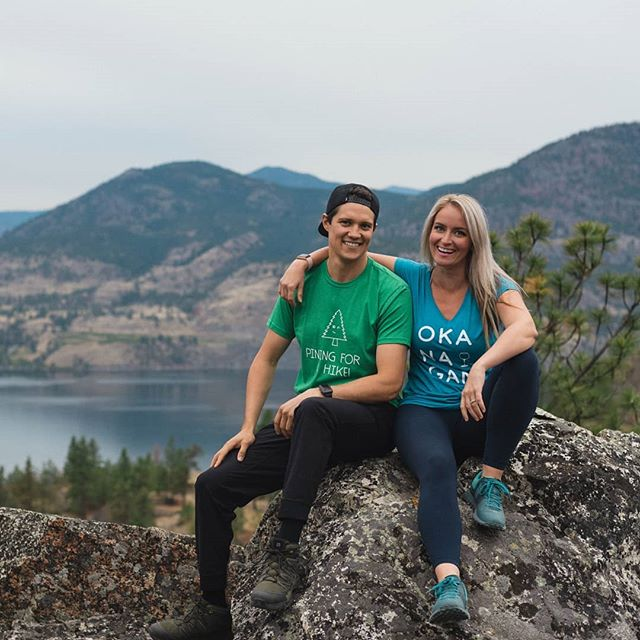 Okanagan hike life. Where is your next adventure? • • • #hiking #hikelife #explorebc #penticton #skahabluffs #hikingadventure #piningforahike #travelbc #okanaganview #explorebc #pnw #welivetoexplore #yyfadventures #skahalake #okanagan #okanaganapparel #351apparel #okanaganlife @teriaxo