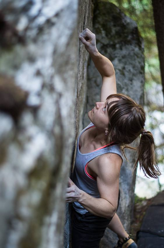 Crimp 'n Focus. Hanna Vartia on  Angelina Jolie 6B+  . Photo: Olga Viekzorek