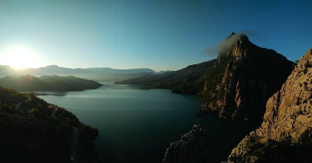 Morning views in Bovilla. Photo:  Elion Çikopano