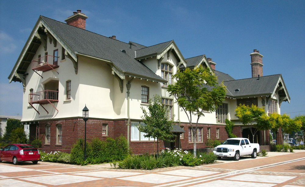 MacGowan Residence
