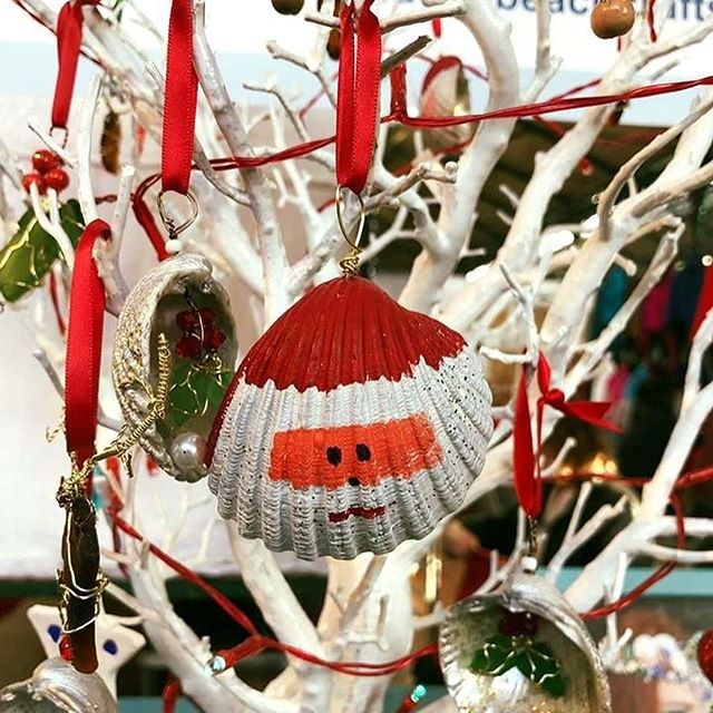 Fancy the market this weekend for a browse over the Christmas items from our extremely talented traders!?🎄 . . Call in for an award winning fry or light lunch overlooking the market on our balcony! 🍳🍗 . . #christmas #stgeorgesmarket #christmasatgeorges #georges