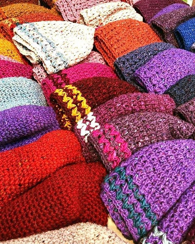 St George's traders never cease to amaze with their authentic hand made items for sale weekly! Make sure you call over the weekend to pick up a special gift & for some breakfast with us! ☕🥓🍳 . If you forget your scarf don't panic either!  You needed a new one anyway..🧣🧤 . . #wooly #knitwear #cosy #local #georges