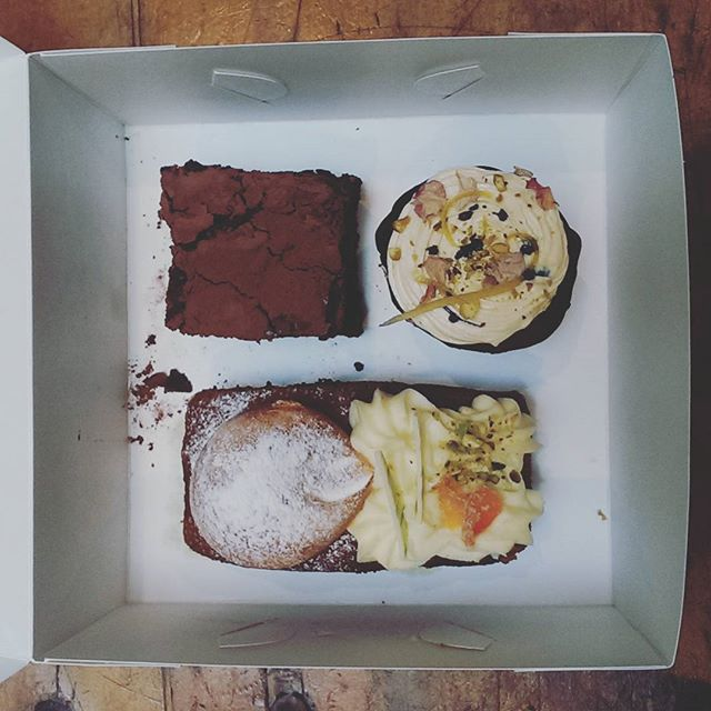 If you have never tried the knockout selection of cakes from The Old Mill Cafe in Millthorpe, drop everything and get down there before they sell out. They will blow your mind...and possibly your belt buckle if you have too many! #visitorange #visitnsw #destinationnsw #applecottage #orangensw #cake #carrotcake #chocolatebrownie