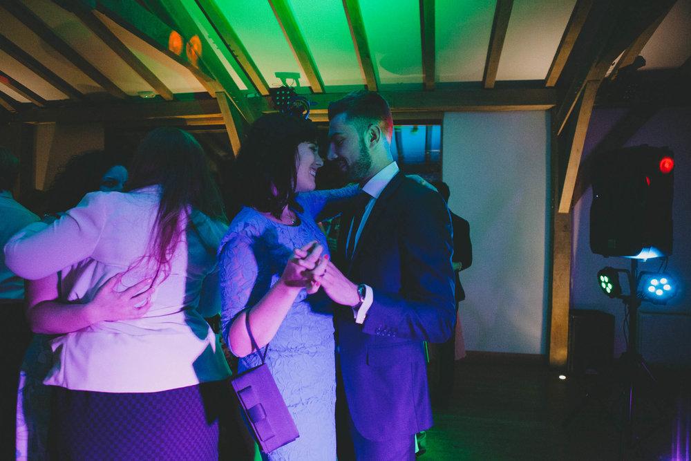 EliottSarah-CaterinaLay-Weddings-London-063.jpg