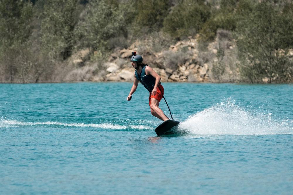 Awake_Ravik_electricsurfboard_jetboard_congost de mont rebei_5.jpg