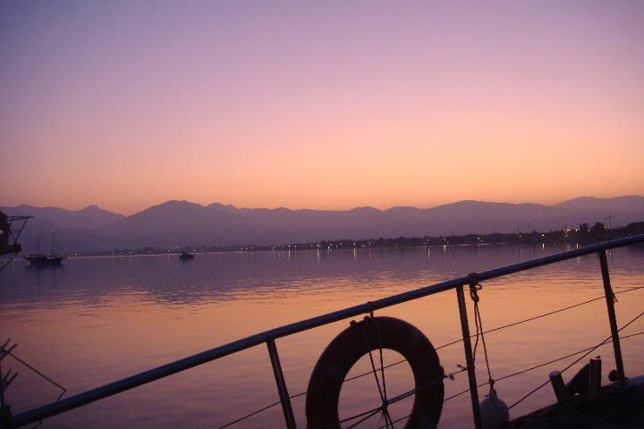 Sonnenuntergang_Blaue_Reise.jpg