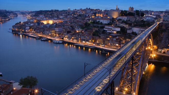Porto_portugiesisches_Fremdenverkehrsamt.jpg