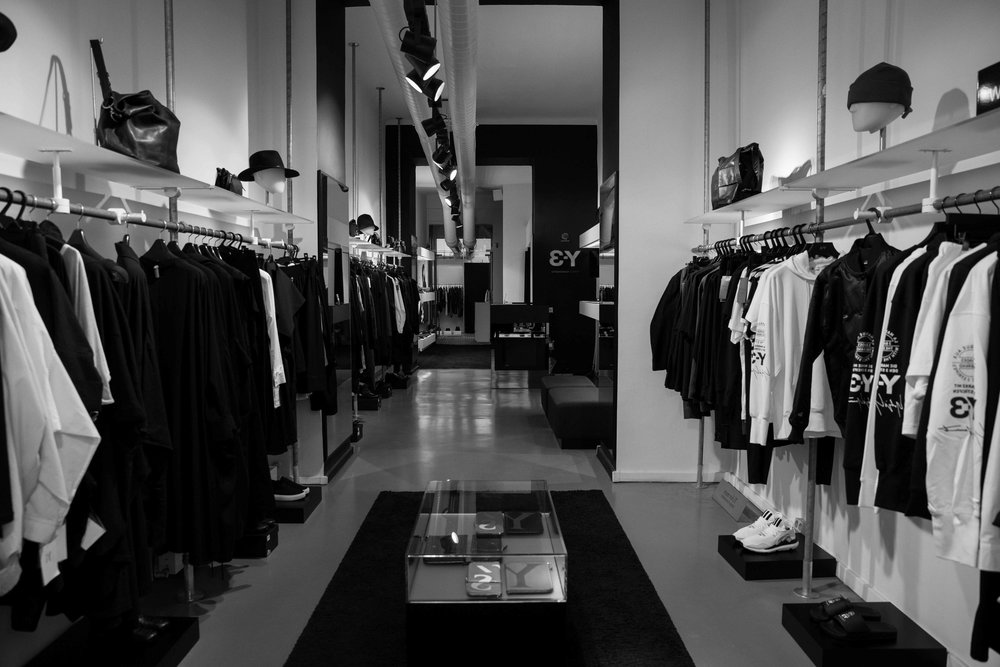 emis Modegalerieisa space where - Highfashion, created by the most prestigious designers Japan has to offer, meets its equivalent in quality, style, design and emotion.