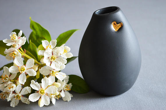 by Sejal Ceramics - I have a weakness for beautiful ceramics, especially dusky skinned creations with hits of gold. Sejal Ceramics makes simple and charming creations.