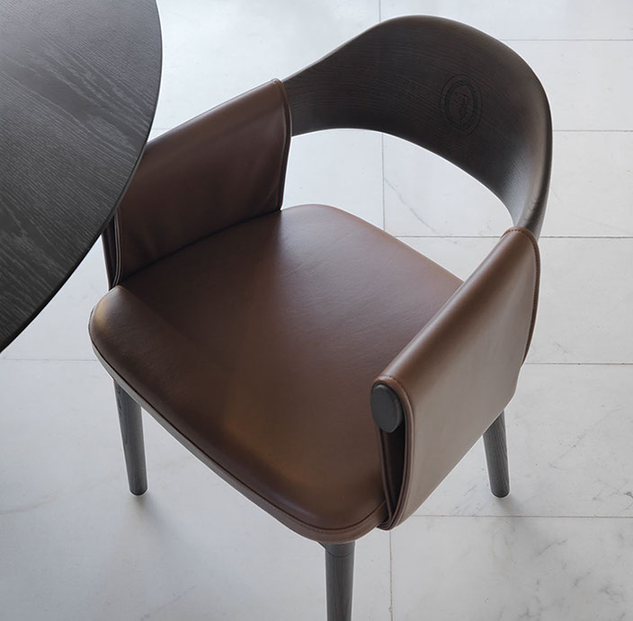 tr larzia chair-crop-u111015.jpg