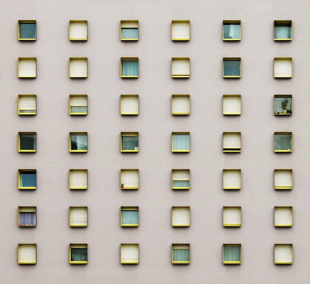 architektur-fassade-fenster-33317.jpg