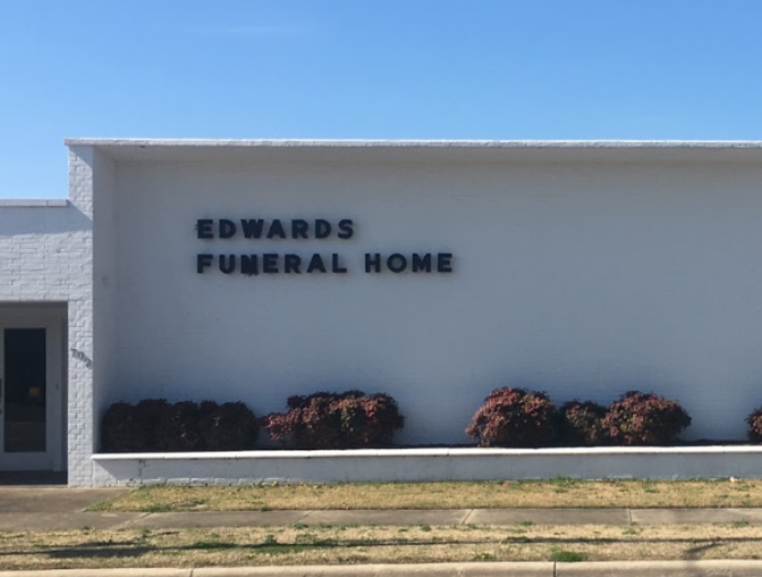 EDWARDS FUNERAL HOME - FUNERAL HOME & CREMATION SERVICES702 N Queen St • Kinston, NC 28501(252) 527-1123