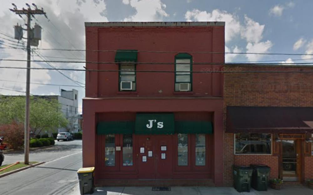 J'S NIGHT CLUB - BAR AND CLUB110 W Blount St •Kinston, NC 28501(252) 522-9703