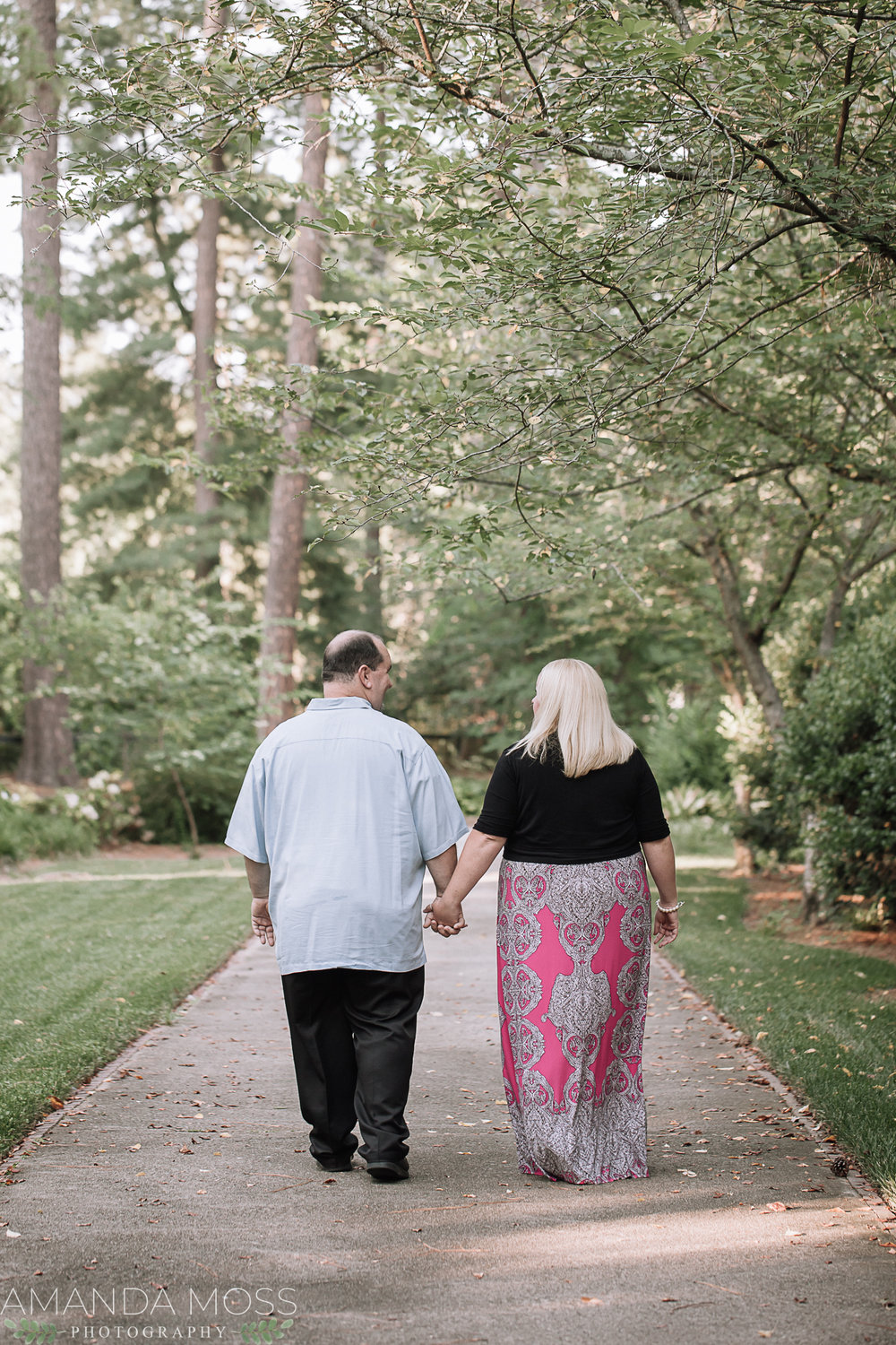engagement session at glencairn gardens