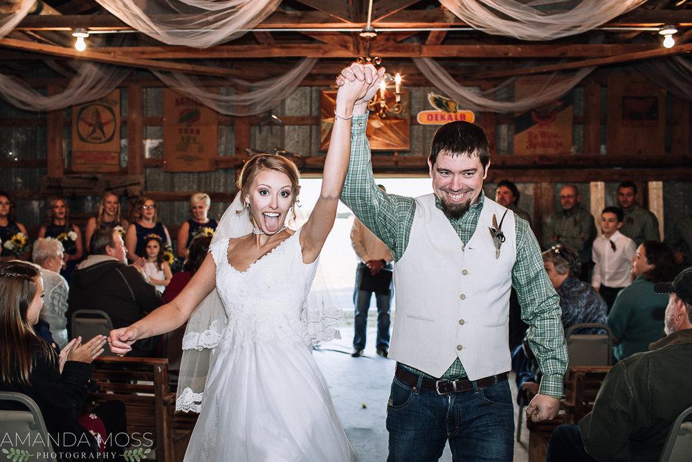 charlotte north carolina wedding photographer diy barn