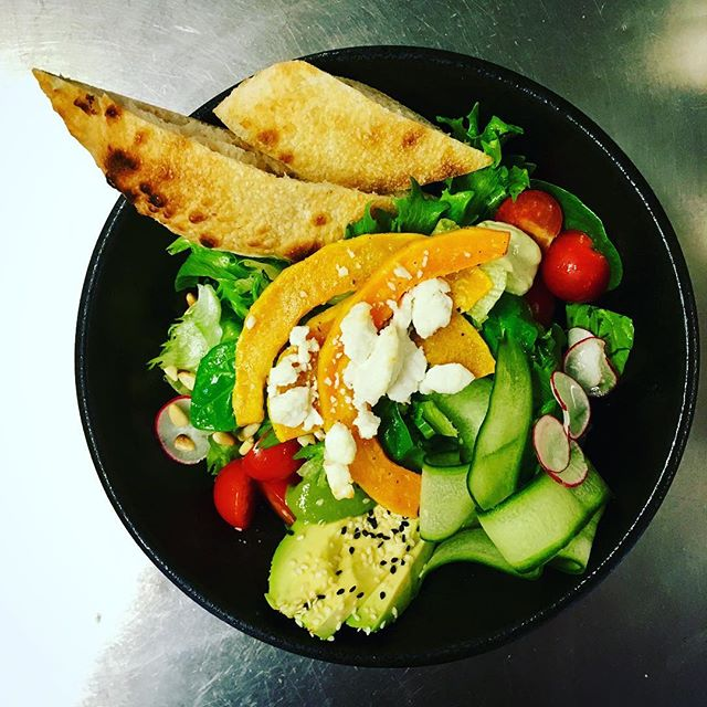 Warm butternut squash and goat cheese salad, also salami/margherita/salmon/avocado/portobellobluecheese pizza's and white lasagne all from 10e #pnl #punavuori #lounas #helsinki