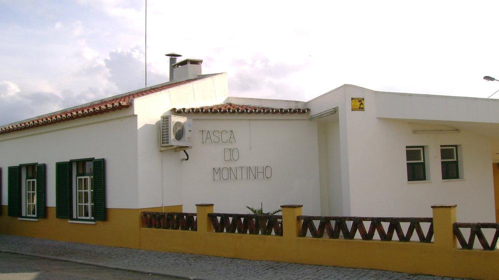 Tasca do Montinho - Tel.: +351 242 412 954Lugar do Moutinho7480-028 AlcórregoNota: Encerra à Segunda-Feira