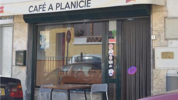 Café Planície - Tel.: +351 242 412 472Rua António José de Almeida, 31 A, 7480-123 AvisE-mail: tdhgm@hotmail.comNota: Encerra à Segunda-Feira