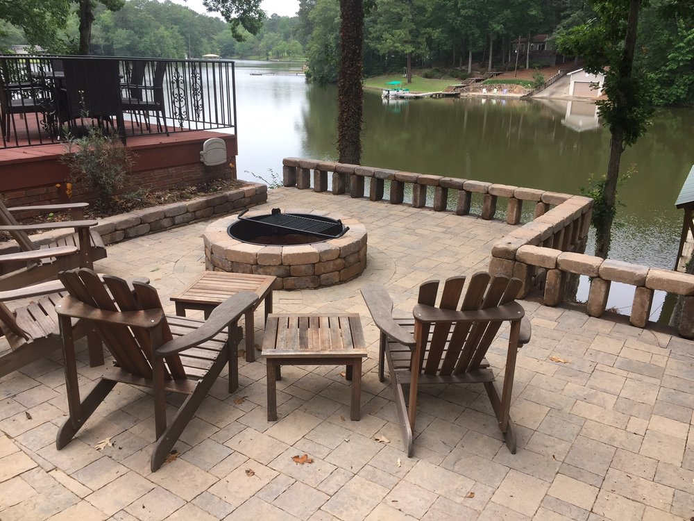 belgard pavers fire pit patio.JPG