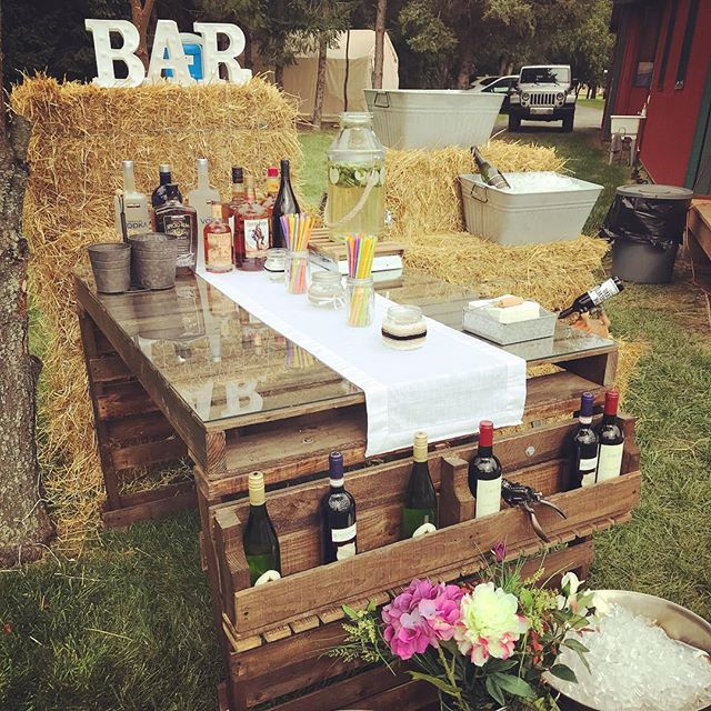 Bar's open! Let's get this wedding started! 🍾🥂🍻🍸🥃