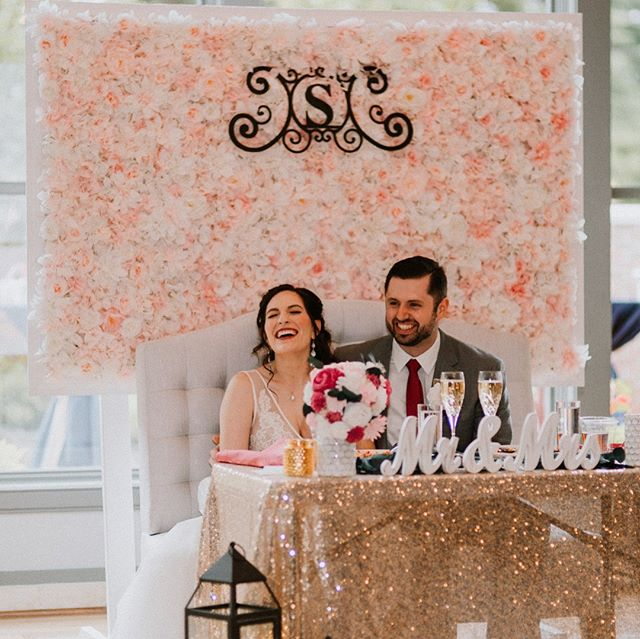 A few pics from Renee + Jim's beautiful day, courtesy of the amazing @mmuncystudios  We were so honored to be a part of such a gorgeous (and FUN!!) celebration of love. ❤️