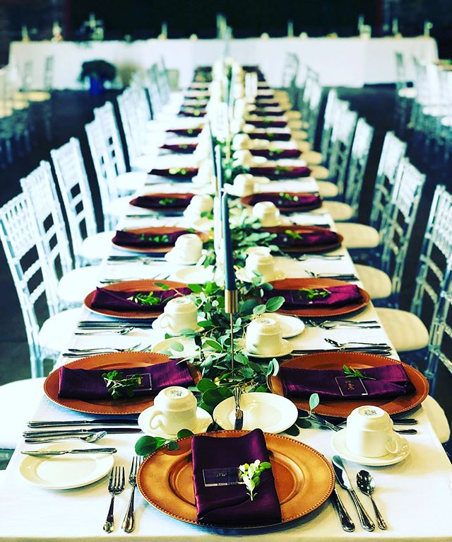 Tablescapes at @theeasterndet ✨ We attended an industry wine tasting in this versatile new event space in @easternmarket a few weeks ago and have been looking forward to catering there! Congratulations Katie and Robert! Thank you for including us in your wedding day🥂 #happilyeverafter #detroitcaterer #weddingcaterer . . . . . #industrialvenue #theknotmichigan #weddingwire #weddingday #annarborcatering #catering #wedding #eventcaterer #easternmarket #detroit #gather #glasshouseweddings