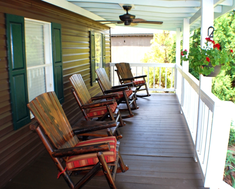 Cottage Front Porch.jpg