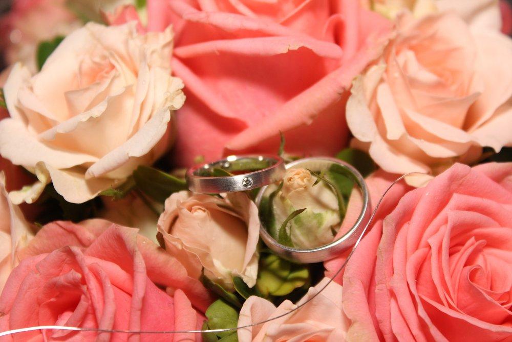wedding-ring-897416_1920.jpg