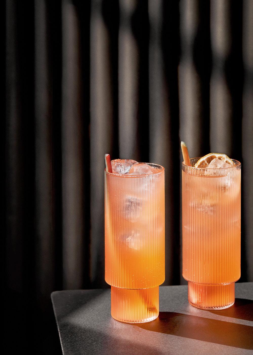 En god sommerdrink fortjener det perfekte glass. Fra Ferm Living / Nordisk Rom