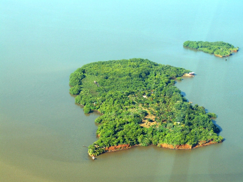 Aerial Photo of Hog Cay - Left The Bluff and Caribbean Sea - Right Bluefields - Top Rama Cay - Bottom Escondido River.jpg