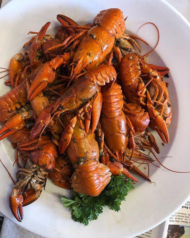 Crawfish boil special! #repost from @noelleprimavera #gatorscreolefriends