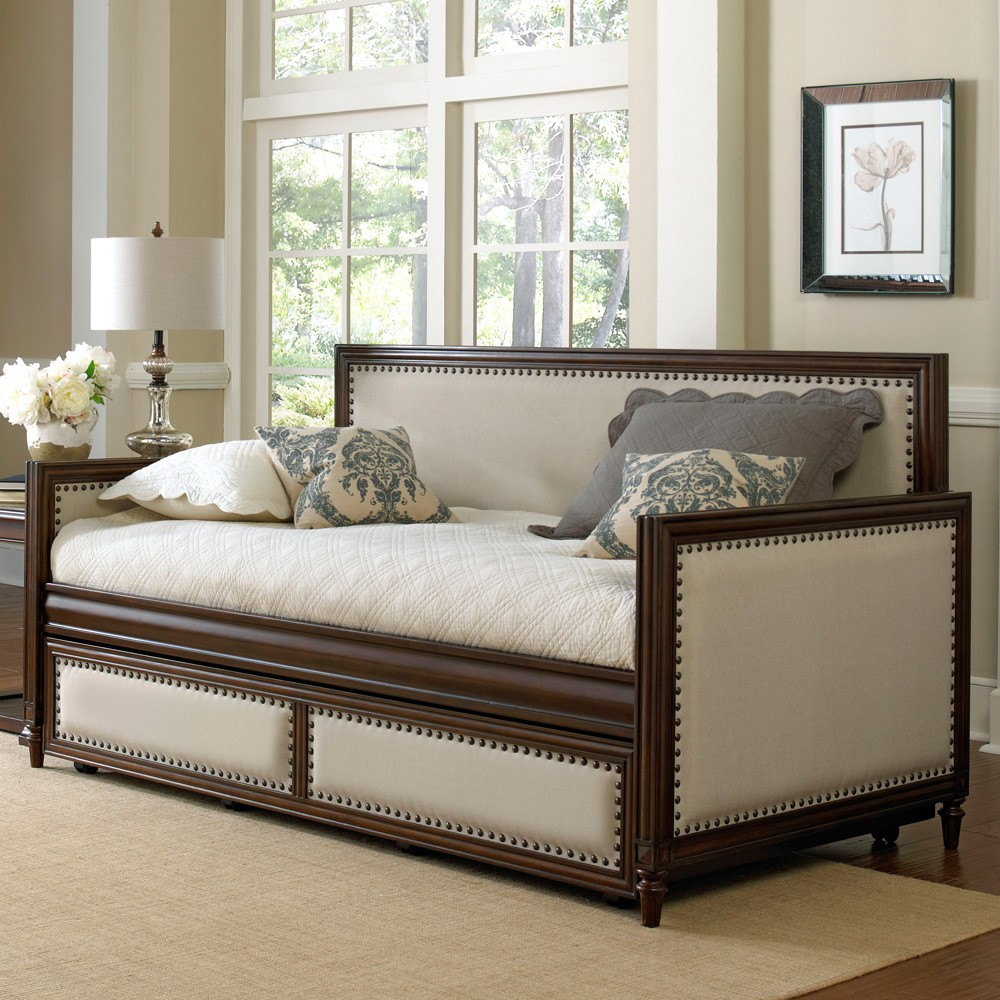 Grandover daybed by Fashion Bed Group