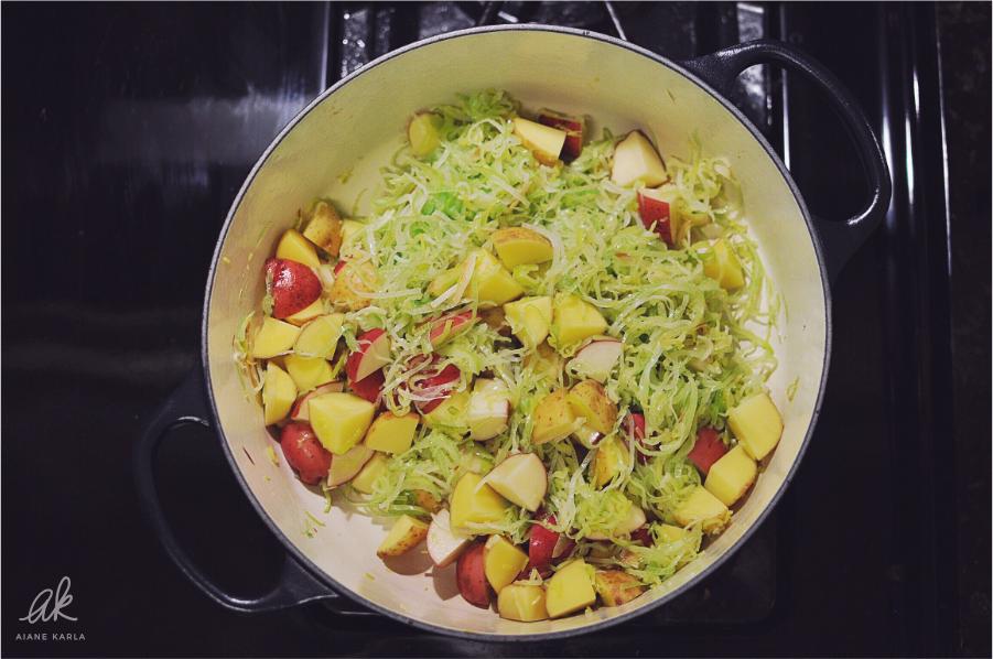 Vegan Potato-Leek Soup | Aiane Karla | www.aianekarla.com