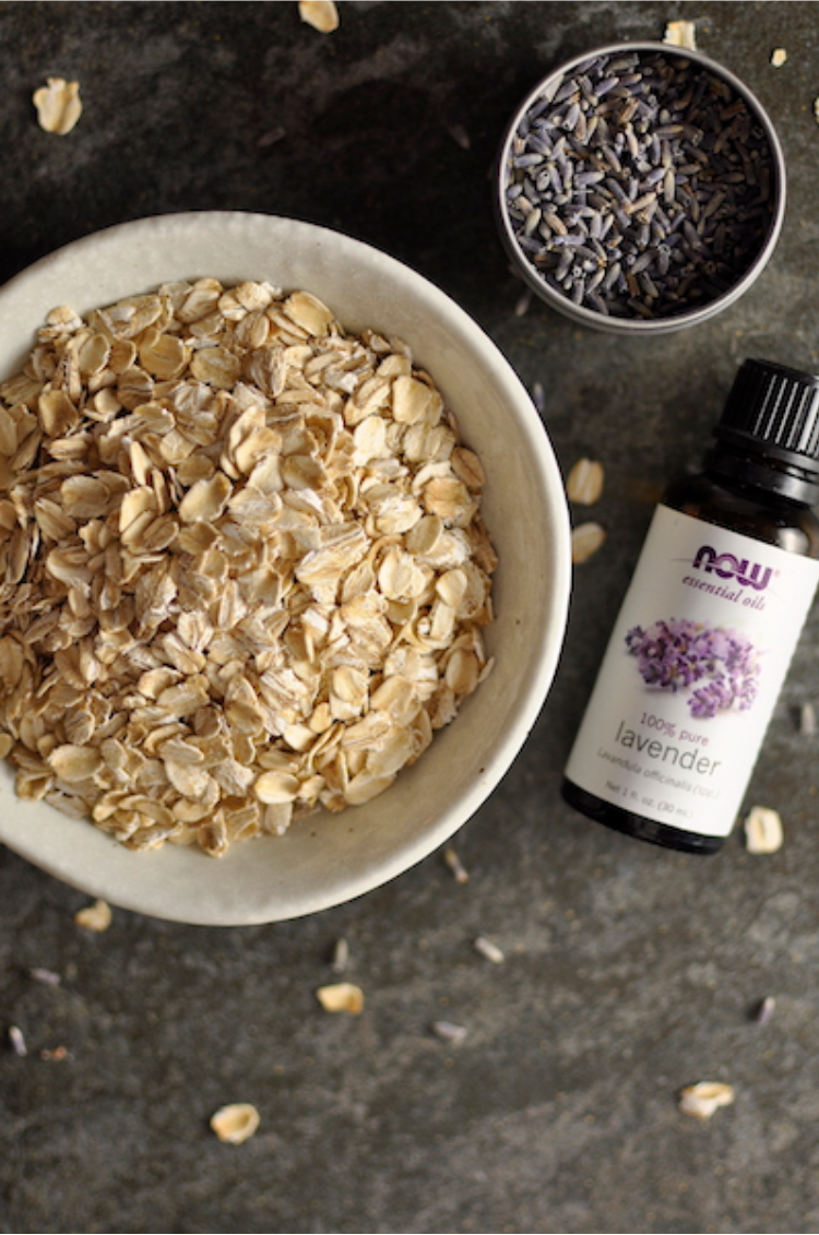 Oatmeal-Lavender Bath for Eczema and Itchy Skin | Aiane Karla | www.aianekarla.com
