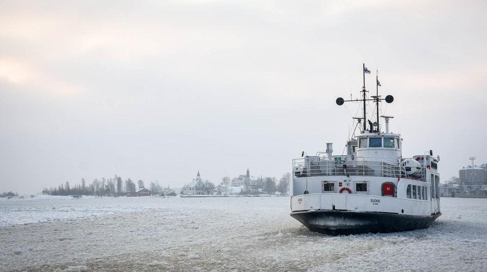 Lautta Suomenlinnaan.jpg