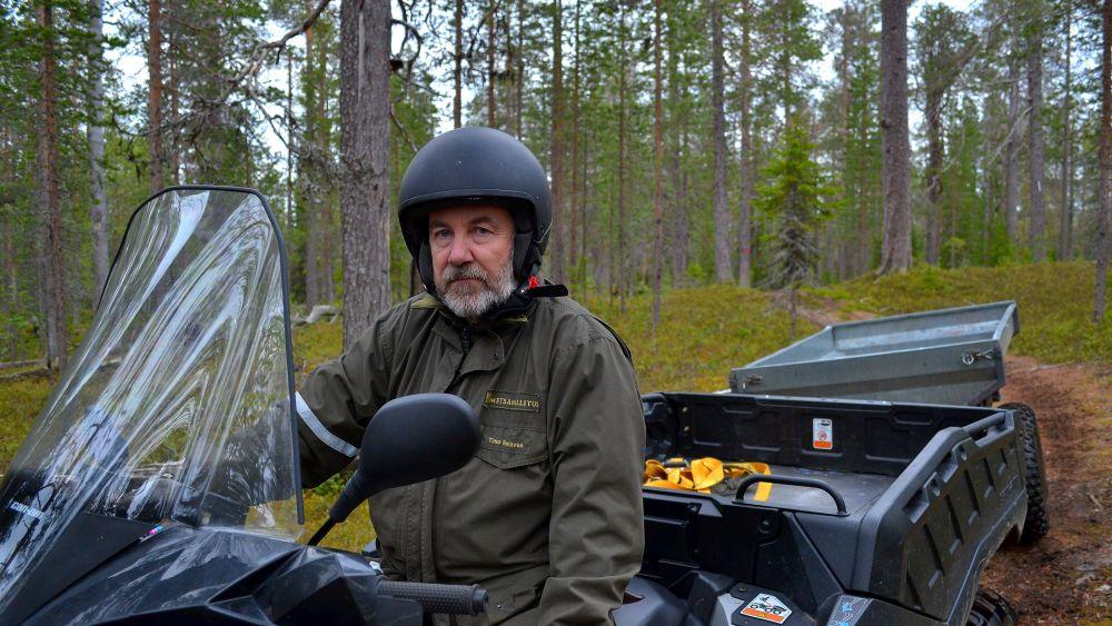 Töitä valvoi puistomestari Timo Reinvuo.